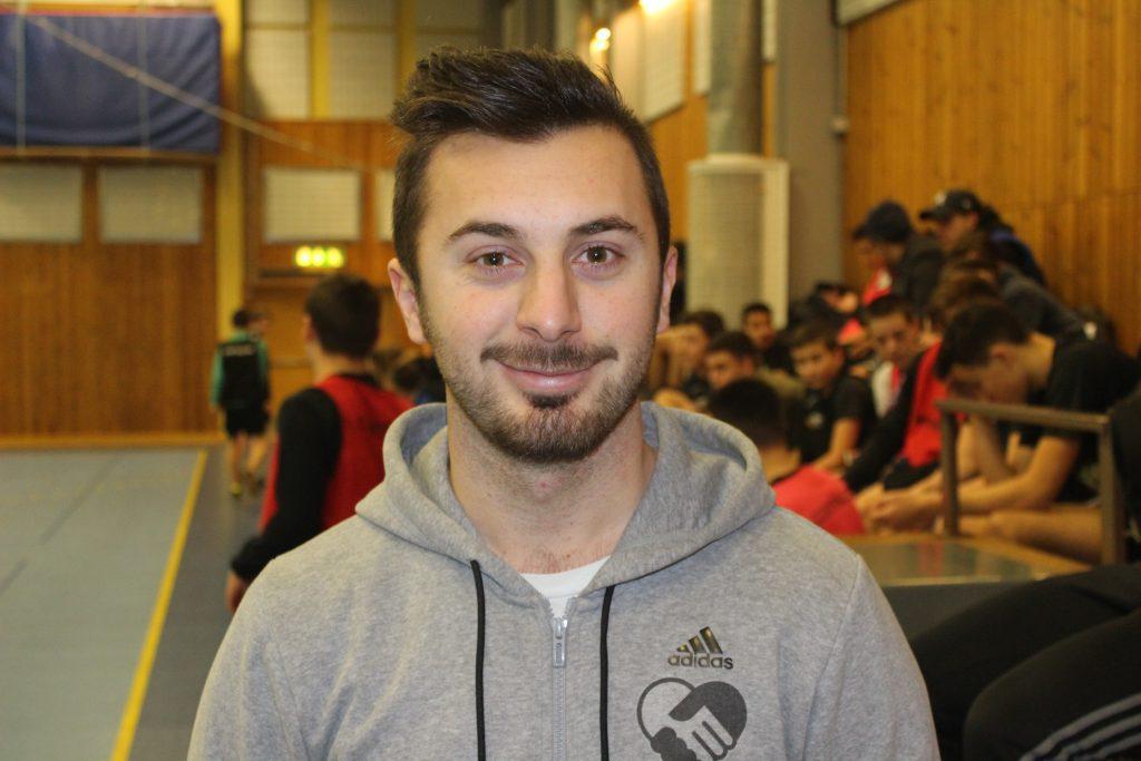 Adnan Bainca, Unite People och Varbergs BoIS driver kvällsfotboll för ungdomar,